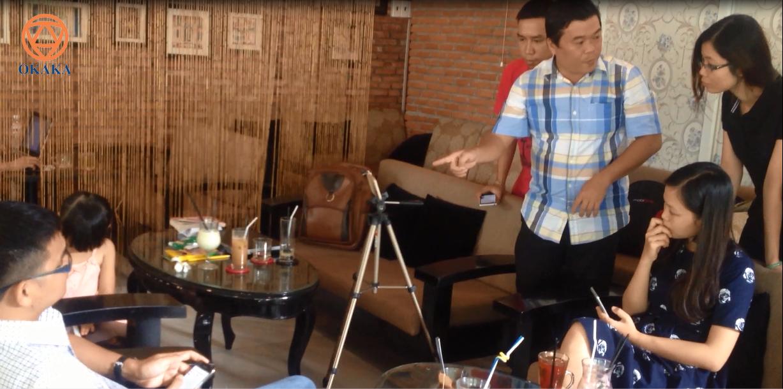 Lớp video marketing miễn phí do Group Content Marketing tổ chức đã mang đến cho Ly cơ hội được học hỏi anh Nguyễn Thanh Tuấn rất nhiều, từ cách biên tập, quay dựng video đến cách sống. Từ một con gà mờ đích thị về video marketing, Ly bước đầu được tiếp cận với lĩnh vực được xem là xu hướng marketing chủ lực từ năm 2017.